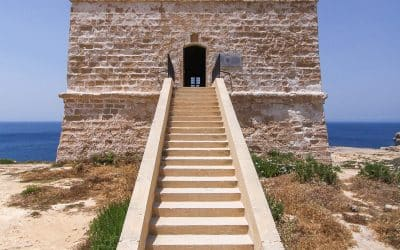 The Dwejra Watch Tower in Gozo: Visitor information
