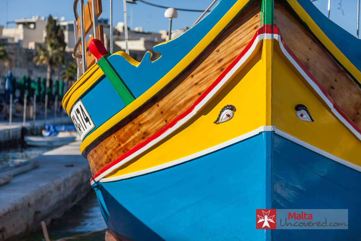 Maltese boats – the Luzzu and the Dghajsa