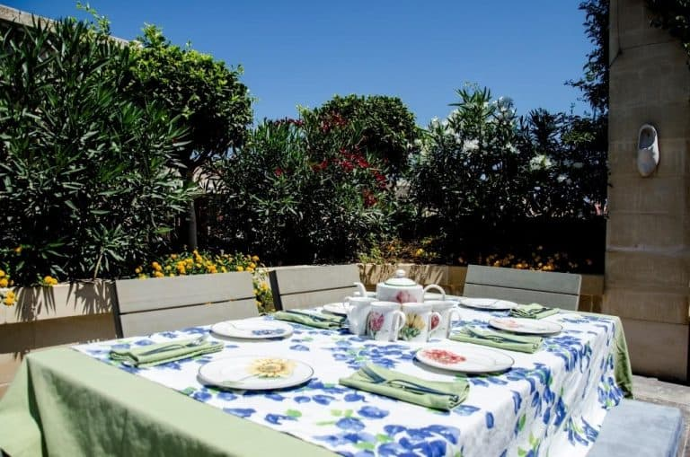 Outdoor dining area at Palazzo Prince d'Orange.