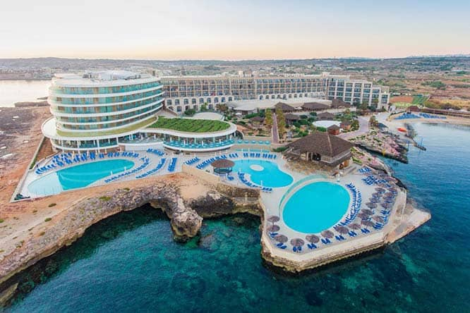 Ramla Bay Resort and Hotel is located in one of the quietest parts of Malta, on the outskirts of Mellieha