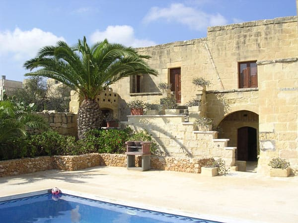 The Maltese farmhouse through the centuries